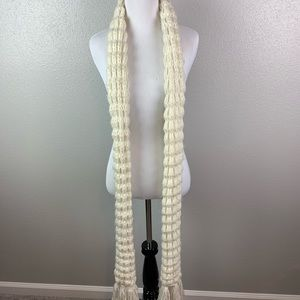 Accessories - Long soft knitted scarf with tassels at the end
